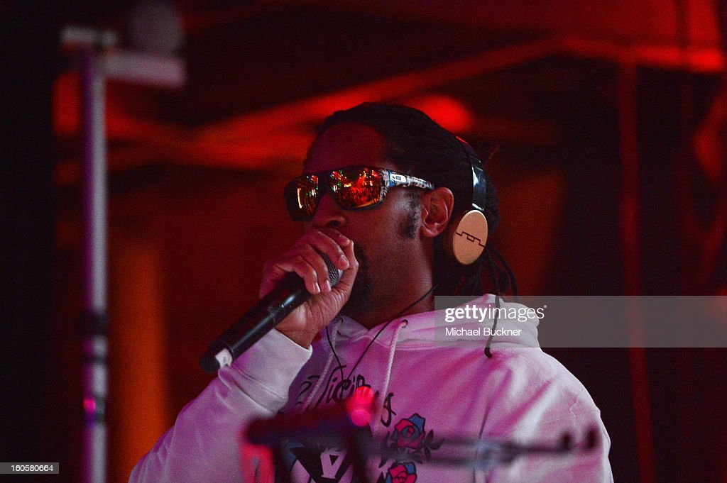 <a gi-track='captionPersonalityLinkClicked' href=/galleries/search?phrase=Lil+Jon+-+Rappare&family=editorial&specificpeople=202659 ng-click='$event.stopPropagation()'>Lil Jon</a> performs on stage at the Audi Forum New Orleans at the Ogden Museum of Southern Art on February 2, 2013 in New Orleans, Louisiana.