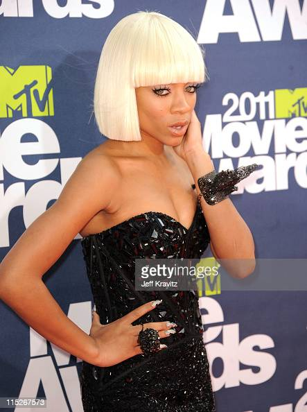 Lil Mama arrives at the 2011 MTV Movie Awards at Universal Studios' Gibson Amphitheatre on June 5 2011 in Universal City California