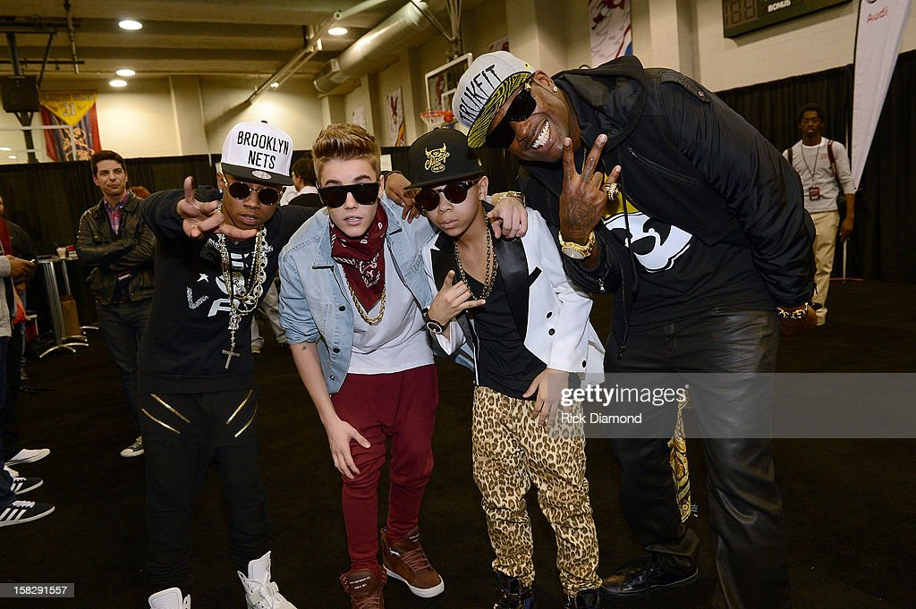 Lil Twist, Justin Bieber, Key Swag 3000 and Memphitz pose backstage at Power 96.1's Jingle Ball 2012 at the Philips Arena on December 12, 2012 in Atlanta.