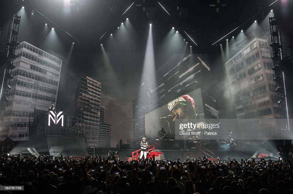 Lil Wayne performs at Palais Omnisports de Bercy on October 16, 2013 in Paris, France.