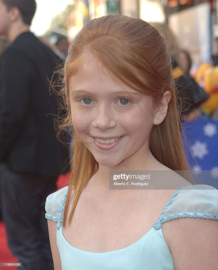 Liliana Mumy during 'The Santa Clause 3: The Escape Clause' Los Angeles Premiere - Red Carpet at El Capitan in Hollywood, California, United States.