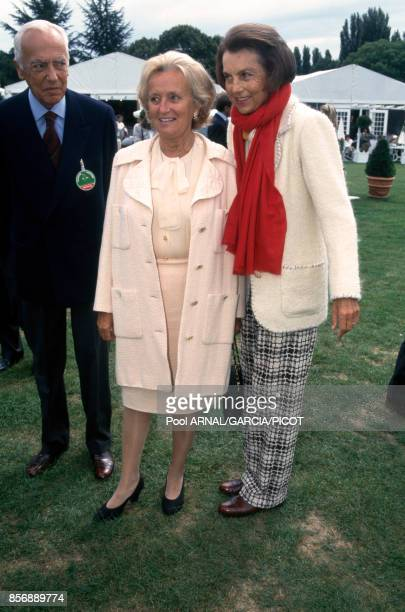 Liliane Bettencourt et son époux André Bettencourt avec Bernadette Chirac lors du Trophée Lancôme en septembre 1995 à SaintNomlaBretèche France
