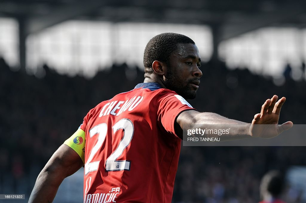 Lille's Cameroonian midfielder Aurelien Chedjou Fongang gestures during the French L1 match Brest vs Lille at the Francis Le Blé stadium on March 31, 2013 in Brest, western France.