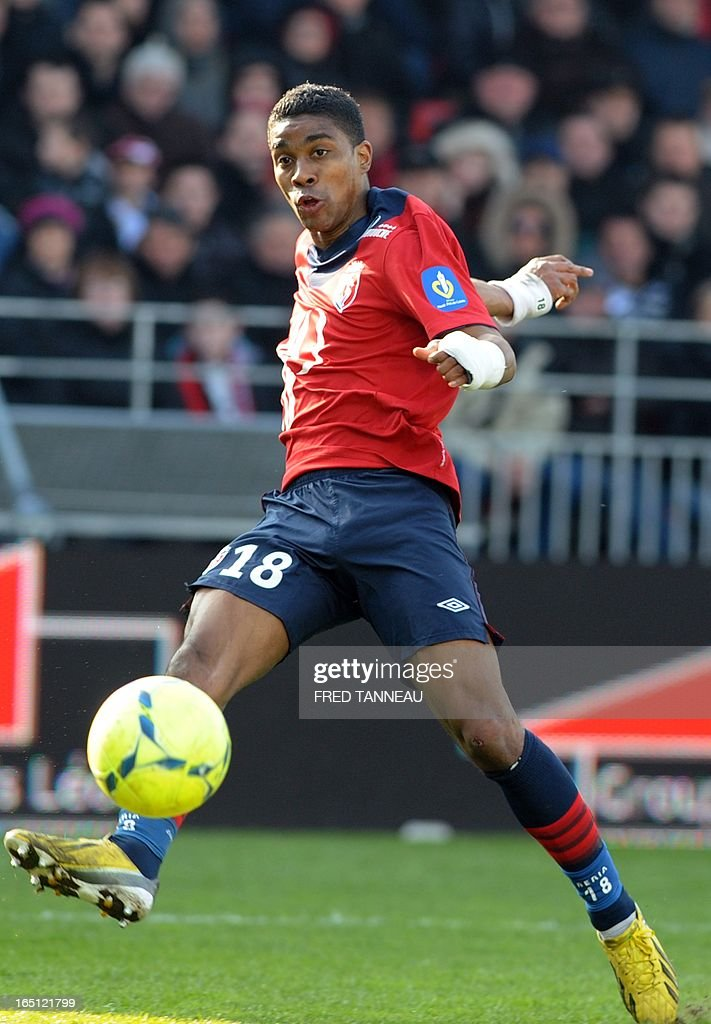 Lille's French defender Franck Beria kicks the ball during the French L1 football match Brest vs Lille on March 31, 2013 at the Francis Le Ble stadium in Brest, western France.