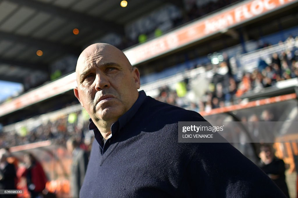 Lille's French head coach Frederic Antonetti waits for the beginning of the French L1 football match Lorient vs Lille at the Moustoir stadium in Lorient, western France, on April 30, 2016.
