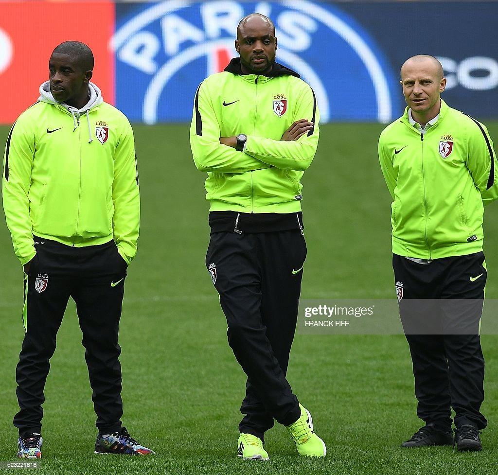 Lille s French midfielder Rio Mavuba Lille s Nigerian goalkeeper