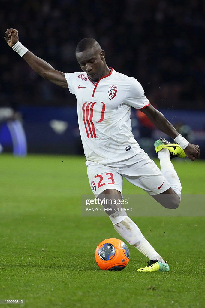 Lille's Senegalese defender Pape Souare kicks the ball during the French L1 football match between Paris Saint-Germain (PSG) and Lille (LOSC) in Paris on December 22, 2013.
