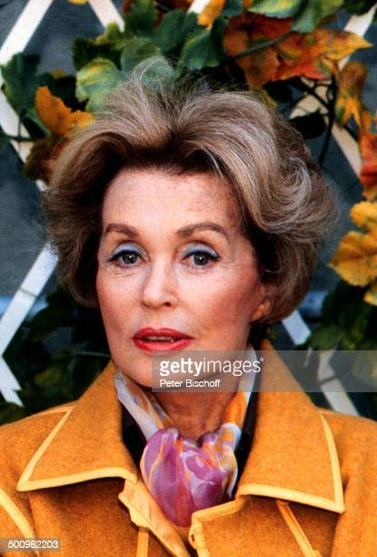 lilli palmer schauspielerin stock fotos und bilder getty. Black Bedroom Furniture Sets. Home Design Ideas