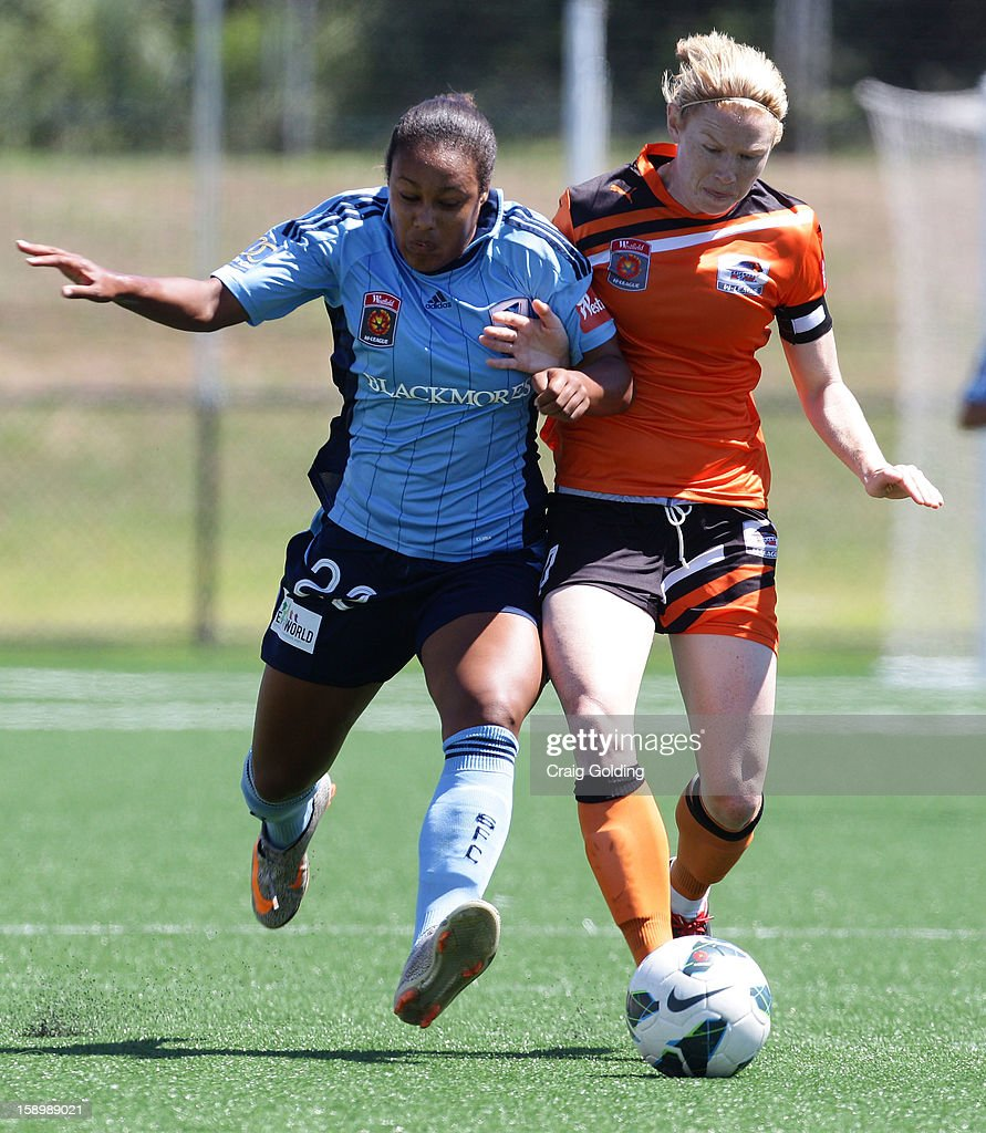 Lillie Billson of Sydney and Clare Polkinghorne of the Roar contest the ball during the round 11 W-League match between Sydney FC and the Brisbane Roar on January 5, 2013 in Sydney, Australia.