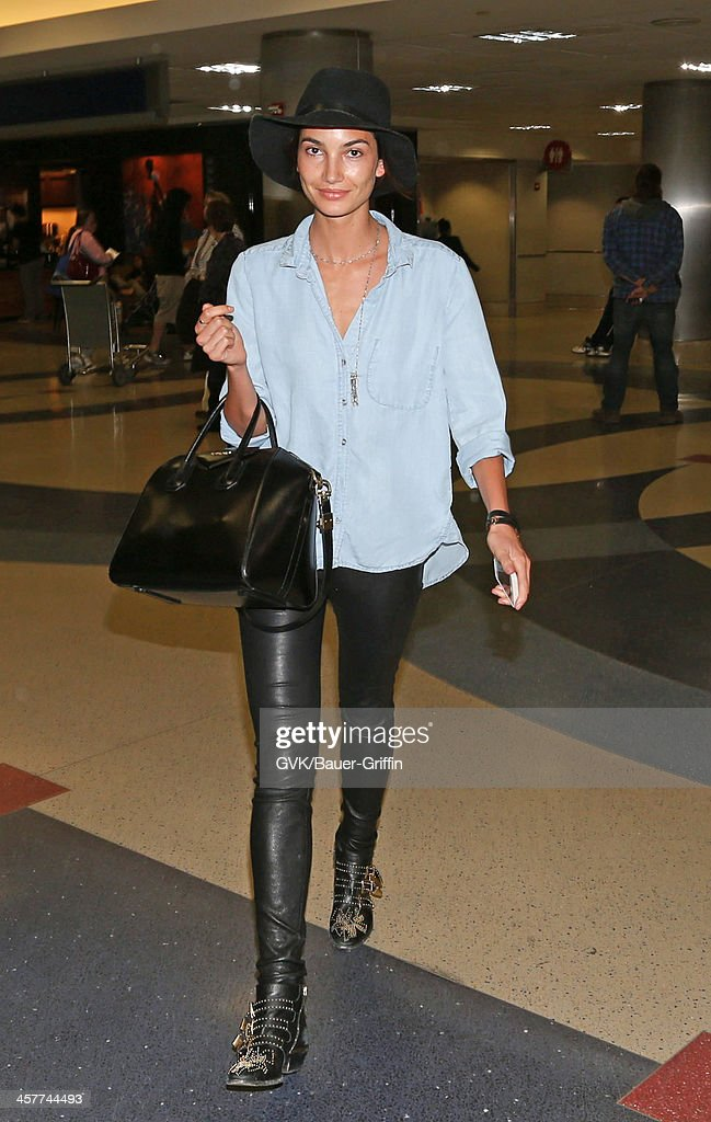 <a gi-track='captionPersonalityLinkClicked' href=/galleries/search?phrase=Lily+Aldridge&family=editorial&specificpeople=2110490 ng-click='$event.stopPropagation()'>Lily Aldridge</a> is seen at LAX airport on December 18, 2013 in Los Angeles, California.