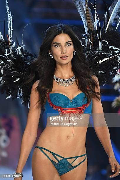 Lily Aldridge walks the runway at the Victoria's Secret Fashion Show on November 30 2016 in Paris France