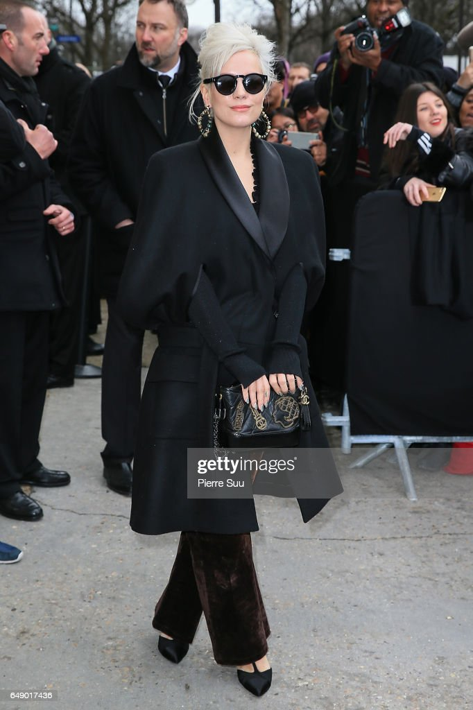 Lily Allen arrives at the Chanel show as part of the Paris Fashion Week Womenswear Fall/Winter 2017/2018 on March 7, 2017 in Paris, France.