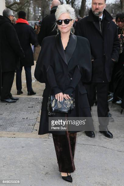Lily Allen arrives at the Chanel show as part of the Paris Fashion Week Womenswear Fall/Winter 2017/2018 on March 7 2017 in Paris France