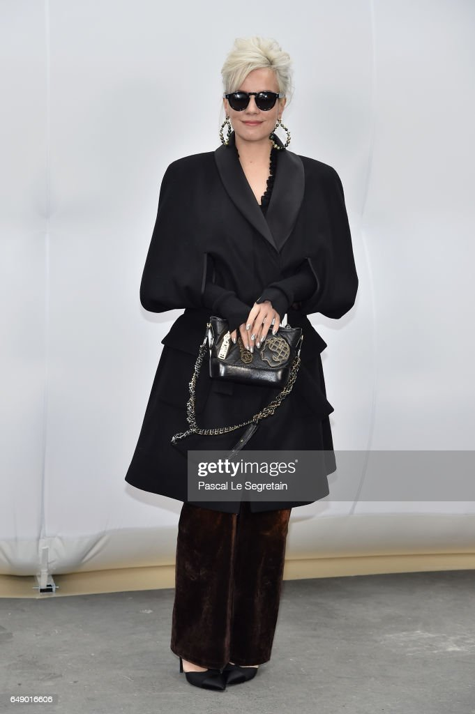Lily Allen attends the Chanel show as part of the Paris Fashion Week Womenswear Fall/Winter 2017/2018 on March 7, 2017 in Paris, France.