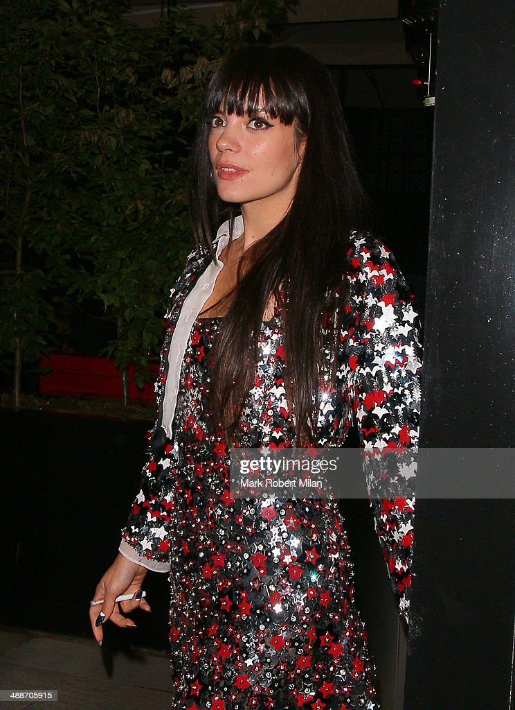 <a gi-track='captionPersonalityLinkClicked' href=/galleries/search?phrase=Lily+Allen&family=editorial&specificpeople=724899 ng-click='$event.stopPropagation()'>Lily Allen</a> leaving the Chiltern Firehouse on May 7, 2014 in London, England.
