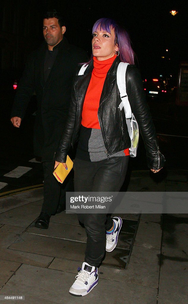 <a gi-track='captionPersonalityLinkClicked' href=/galleries/search?phrase=Lily+Allen&family=editorial&specificpeople=724899 ng-click='$event.stopPropagation()'>Lily Allen</a> sighted leaving ROKA restaurant on September 1, 2014 in London, England.