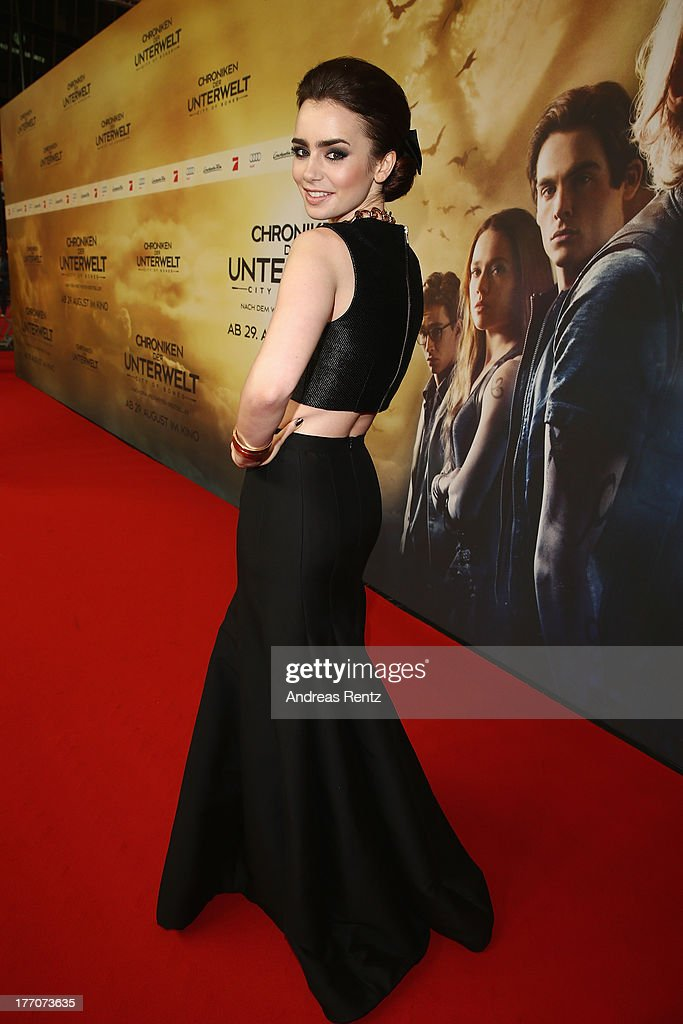 <a gi-track='captionPersonalityLinkClicked' href=/galleries/search?phrase=Lily+Collins&family=editorial&specificpeople=3520243 ng-click='$event.stopPropagation()'>Lily Collins</a> arrives for the 'The Mortal Instruments: City of Bones' (Chroniken der Unterwelt) Germany premiere at Sony Centre on August 20, 2013 in Berlin, Germany.