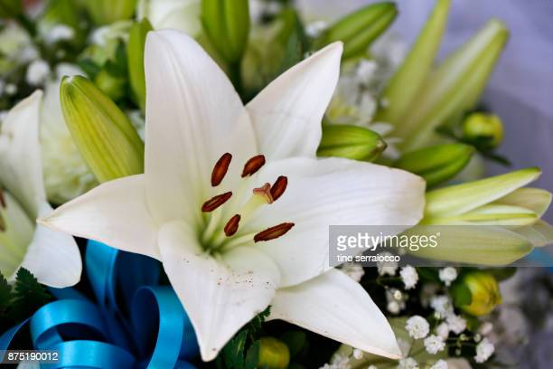 lily flowers on wedding buffet table