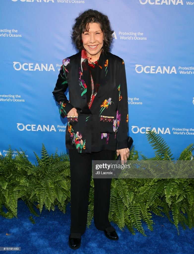 Lily Tomlin attends the 10th Annual Oceana SeaChange Summer Party on July 15, 2017 in Laguna Beach, California.