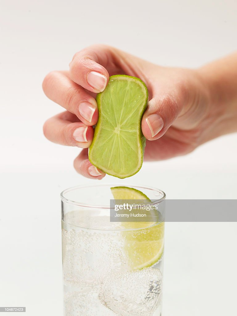 Lime squeeze : Stock Photo
