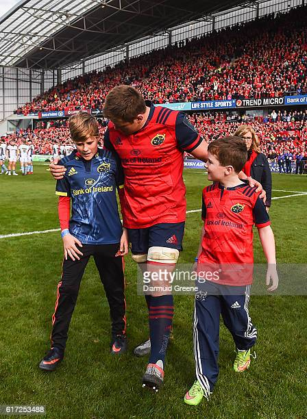 Limerick Ireland 22 October 2016 CJ Stander of Munster with Tony Foley left and Dan Foley sons of the late Munster Rugby head coach Anthony Foley...
