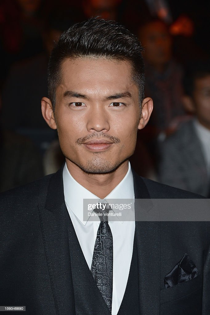 <a gi-track='captionPersonalityLinkClicked' href=/galleries/search?phrase=Lin+Dan&family=editorial&specificpeople=211013 ng-click='$event.stopPropagation()'>Lin Dan</a> attends the Dolce & Gabbana show as part of Milan Fashion Week Menswear Autumn/Winter 2013 on January 12, 2013 in Milan, Italy.