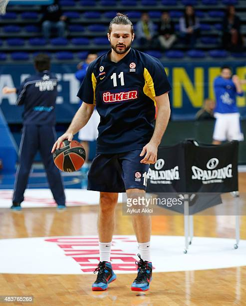 Linas Kleiza #11 of Fenerbahce Ulker Istanbul in action prior the 20132014 Turkish Airlines Euroleague Top 16 Date 14 game between Fenerbahce Ulker...
