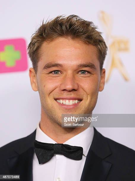 lincoln lewis - photo #7