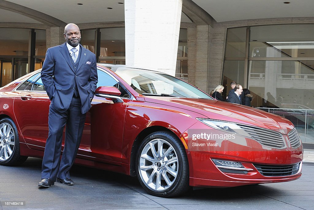 Lincoln Motor Company Ambassador <a gi-track='captionPersonalityLinkClicked' href=/galleries/search?phrase=Emmitt+Smith&family=editorial&specificpeople=201615 ng-click='$event.stopPropagation()'>Emmitt Smith</a> attends Ford Lincoln Unveils New Brand Direction Lincoln With <a gi-track='captionPersonalityLinkClicked' href=/galleries/search?phrase=Emmitt+Smith&family=editorial&specificpeople=201615 ng-click='$event.stopPropagation()'>Emmitt Smith</a> at Lincoln Center on December 3, 2012 in New York City.