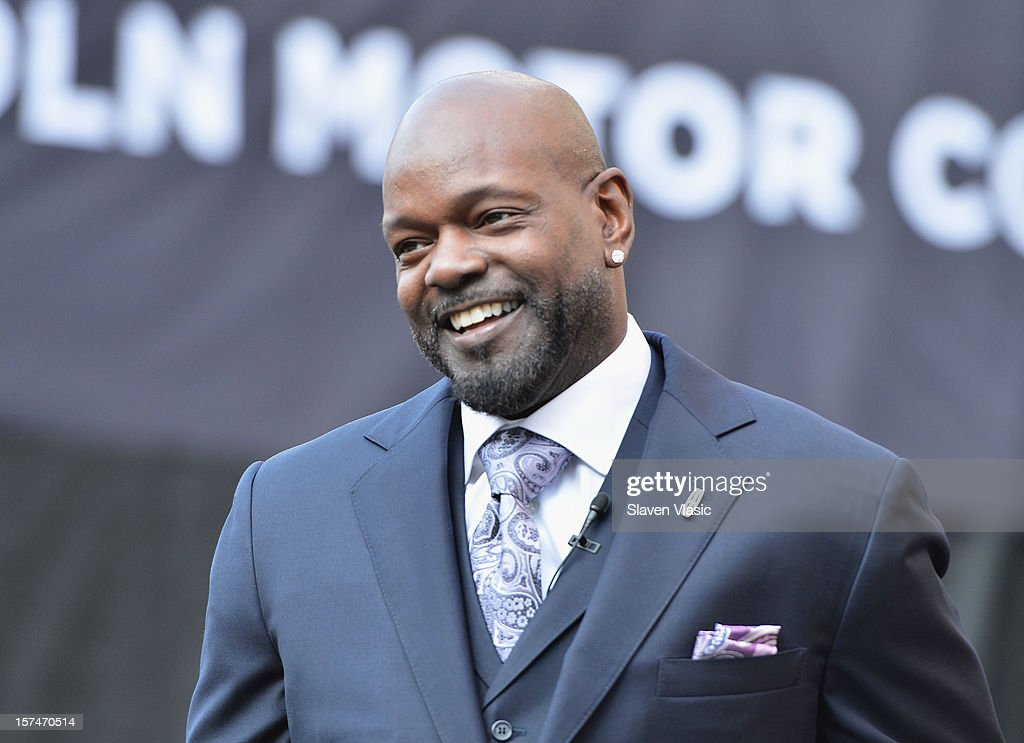 Lincoln Motor Company Ambassador <a gi-track='captionPersonalityLinkClicked' href=/galleries/search?phrase=Emmitt+Smith&family=editorial&specificpeople=201615 ng-click='$event.stopPropagation()'>Emmitt Smith</a> attends Ford Lincoln unveiling the new brand direction Lincoln with <a gi-track='captionPersonalityLinkClicked' href=/galleries/search?phrase=Emmitt+Smith&family=editorial&specificpeople=201615 ng-click='$event.stopPropagation()'>Emmitt Smith</a> at Lincoln Center on December 3, 2012 in New York City.