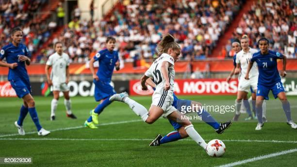 Linda Dallmann of Germany kicks the ball during the UEFA Women's Euro 2017 at Koning Willem II Stadium on July 21 2017 in Tilburg Netherlands