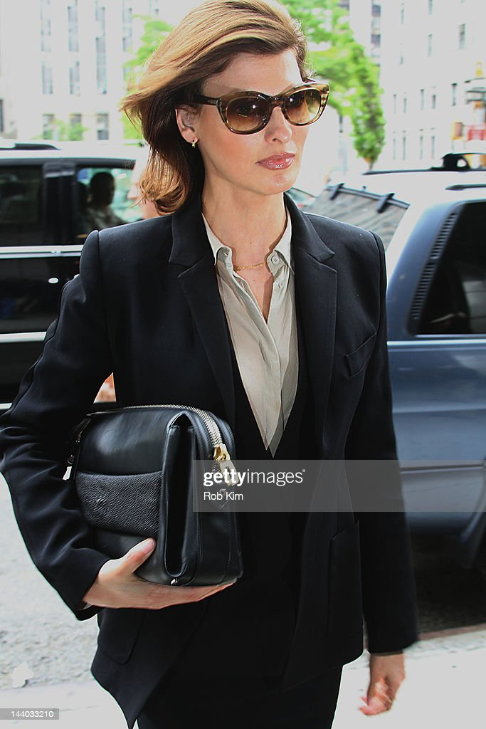 Linda Evangelista appears at Manhattan Family Court on May 8, 2012 in New York City.
