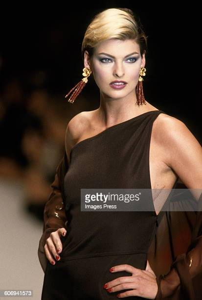 Linda Evangelista at the Yves Saint Laurent Spring 1996 show circa 1995 in Paris France