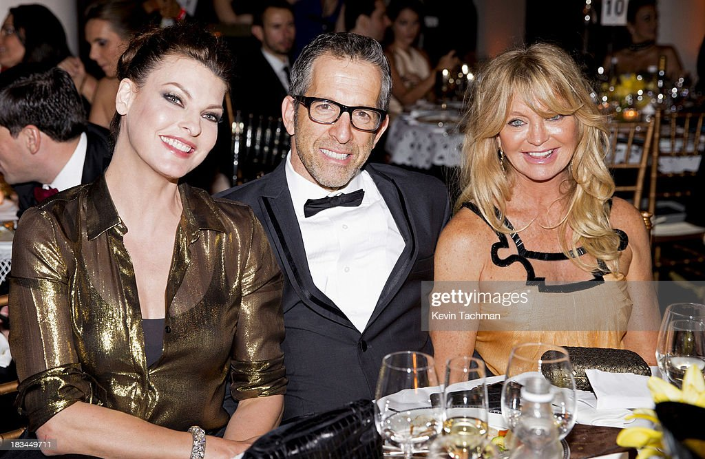 <a gi-track='captionPersonalityLinkClicked' href=/galleries/search?phrase=Linda+Evangelista&family=editorial&specificpeople=203121 ng-click='$event.stopPropagation()'>Linda Evangelista</a>, designer Kenneth Cole and <a gi-track='captionPersonalityLinkClicked' href=/galleries/search?phrase=Goldie+Hawn&family=editorial&specificpeople=171422 ng-click='$event.stopPropagation()'>Goldie Hawn</a> attend the amfAR Inspiration Gala Rio on October 4, 2013 in Rio de Janeiro, Brazil.