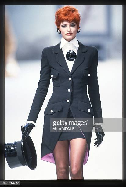 Linda Evangelista walks the runway during the Chanel Haute Couture show as part of Paris Fashion Week Fall/Winter 19911992 in July 1991 in Paris...