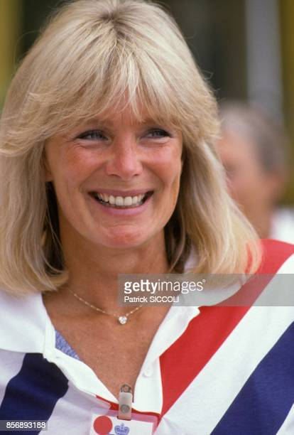 Linda Evans actrice du feuilleton televise americain 'Dynastie' au tournoi de tennis de MonteCarlo le 13 juin 1988 a MonteCarlo Monaco