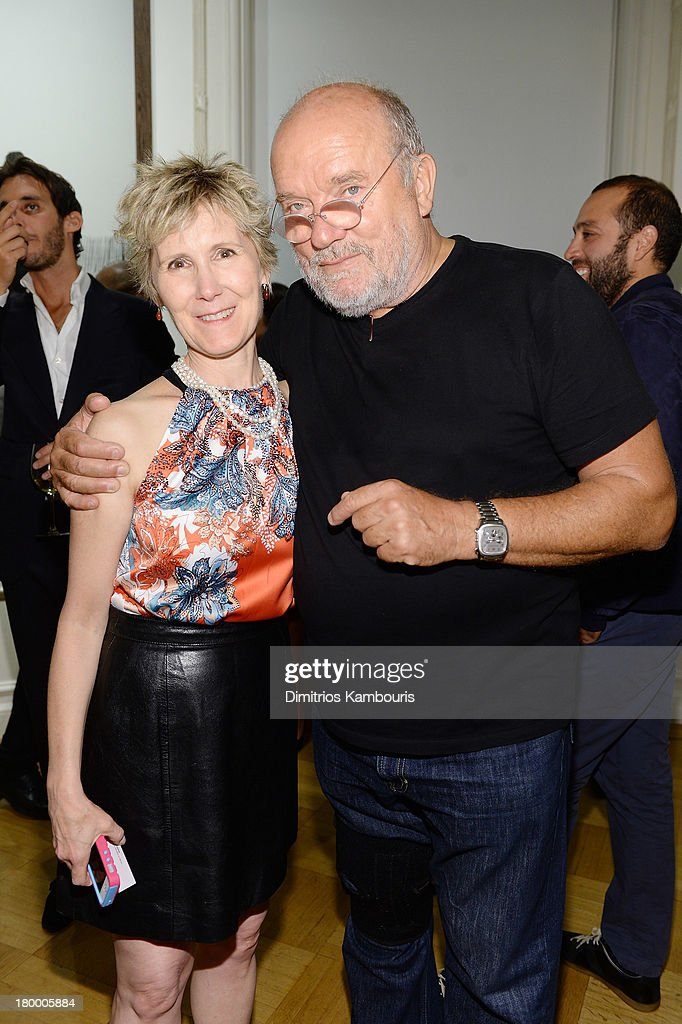 Linda Fiske and photographer <a gi-track='captionPersonalityLinkClicked' href=/galleries/search?phrase=Peter+Lindbergh&family=editorial&specificpeople=630190 ng-click='$event.stopPropagation()'>Peter Lindbergh</a> attend the <a gi-track='captionPersonalityLinkClicked' href=/galleries/search?phrase=Peter+Lindbergh&family=editorial&specificpeople=630190 ng-click='$event.stopPropagation()'>Peter Lindbergh</a> artist reception presented by Vladimir Restoin Roitfeld on September 7, 2013 in New York City.