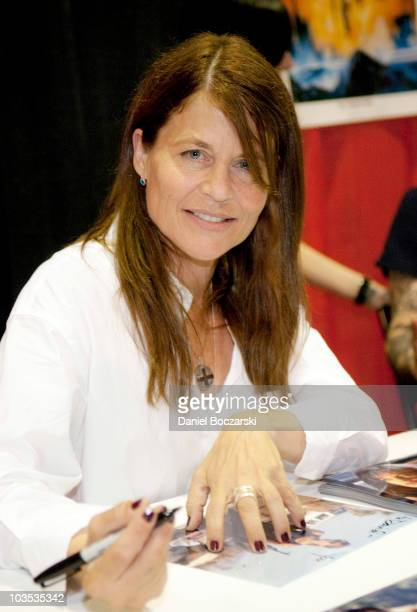 Linda Hamilton attends Wizard World Chicago Comic Con at the Donald E Stephens Convention Center on August 21 2010 in Chicago Illinois