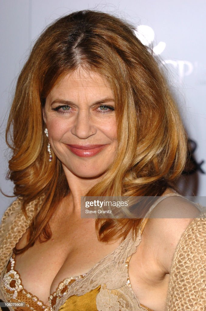 <a gi-track='captionPersonalityLinkClicked' href=/galleries/search?phrase=Linda+Hamilton&family=editorial&specificpeople=240480 ng-click='$event.stopPropagation()'>Linda Hamilton</a> during Wheels Up Films' 'The Kid & I' Los Angeles Premiere - Arrivals at Grauman's Chinese Theater in Hollywood, California, United States.