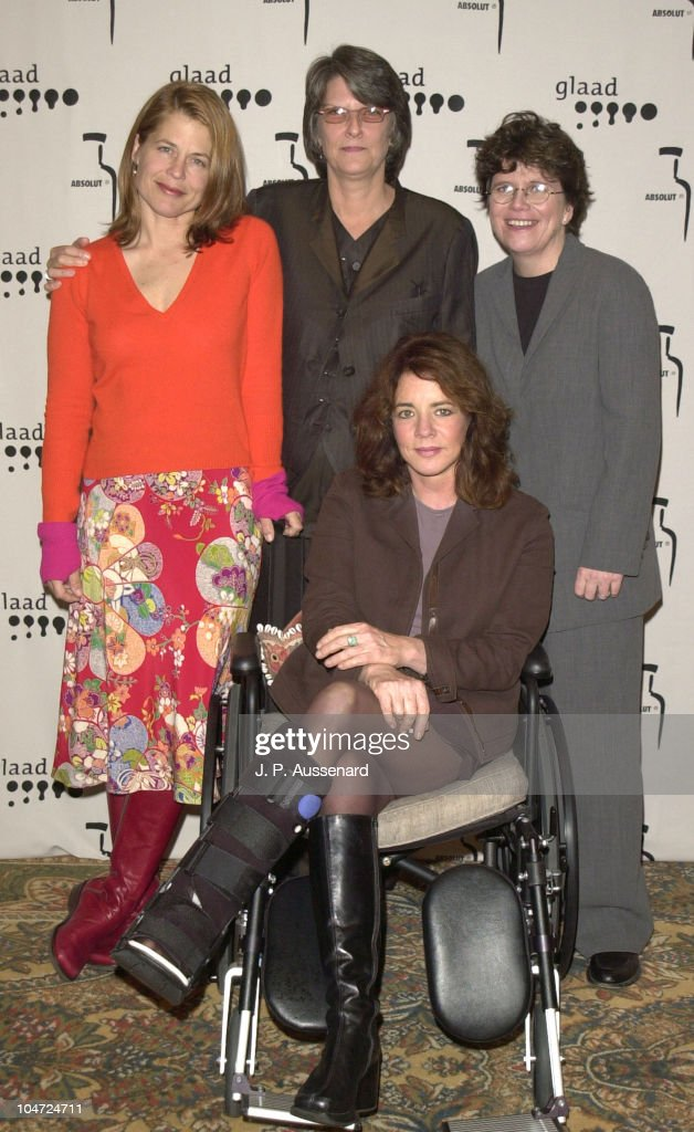 <a gi-track='captionPersonalityLinkClicked' href=/galleries/search?phrase=Linda+Hamilton&family=editorial&specificpeople=240480 ng-click='$event.stopPropagation()'>Linda Hamilton</a>, Lee Rose, Joan M. Garry & <a gi-track='captionPersonalityLinkClicked' href=/galleries/search?phrase=Stockard+Channing&family=editorial&specificpeople=206127 ng-click='$event.stopPropagation()'>Stockard Channing</a>