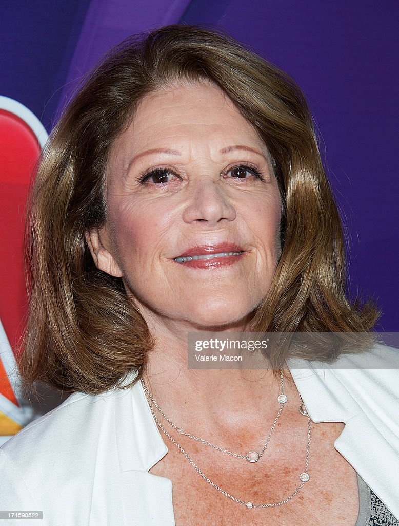 <a gi-track='captionPersonalityLinkClicked' href=/galleries/search?phrase=Linda+Lavin&family=editorial&specificpeople=645189 ng-click='$event.stopPropagation()'>Linda Lavin</a> arrives at the NBCUniversal's '2013 Summer TCA Tour' at The Beverly Hilton Hotel on July 27, 2013 in Beverly Hills, California.