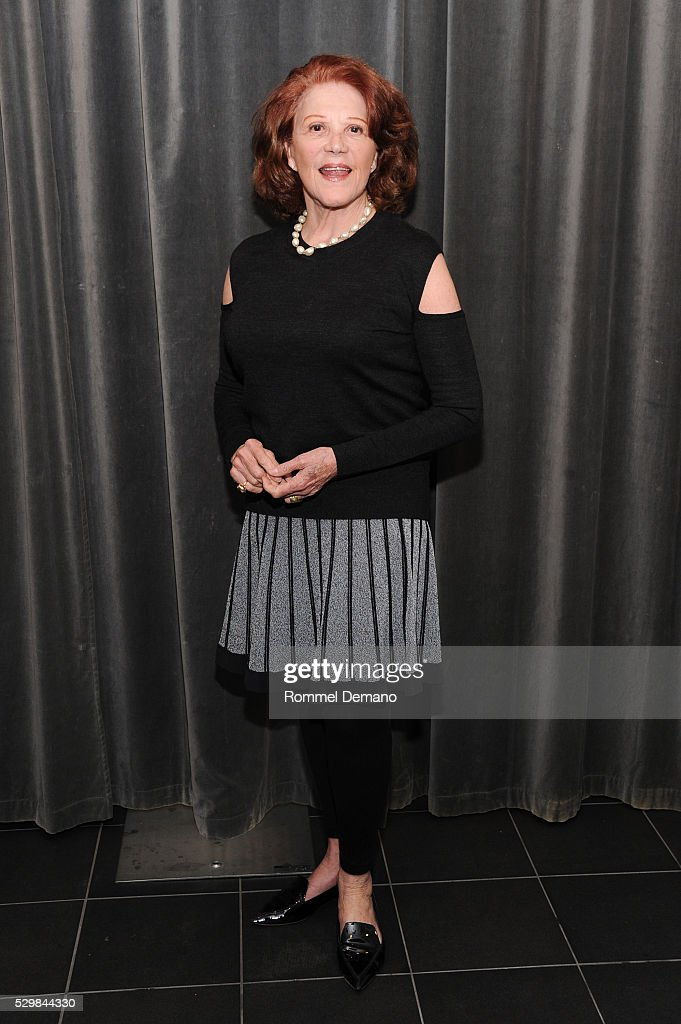<a gi-track='captionPersonalityLinkClicked' href=/galleries/search?phrase=Linda+Lavin&family=editorial&specificpeople=645189 ng-click='$event.stopPropagation()'>Linda Lavin</a> attends SAG-AFTRA Foundation Conversations Featuring June Squibb, Rosie O'Donnell And <a gi-track='captionPersonalityLinkClicked' href=/galleries/search?phrase=Linda+Lavin&family=editorial&specificpeople=645189 ng-click='$event.stopPropagation()'>Linda Lavin</a> From The Show 'Mom' on May 9, 2016 in New York City.