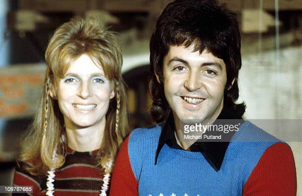 Linda McCartney and husband Paul McCartney of Wings posed in 1973