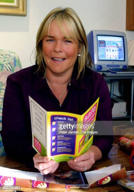 Linda Robson with her computer as the 'Birds of a Feather' actress endorses the campaign for safe shopping via the net A MORI survey conducted...