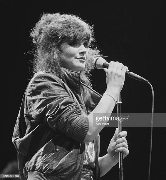 Linda Ronstadt performs at Poplar Creek Hoffman Estates Illinois July 27 1981