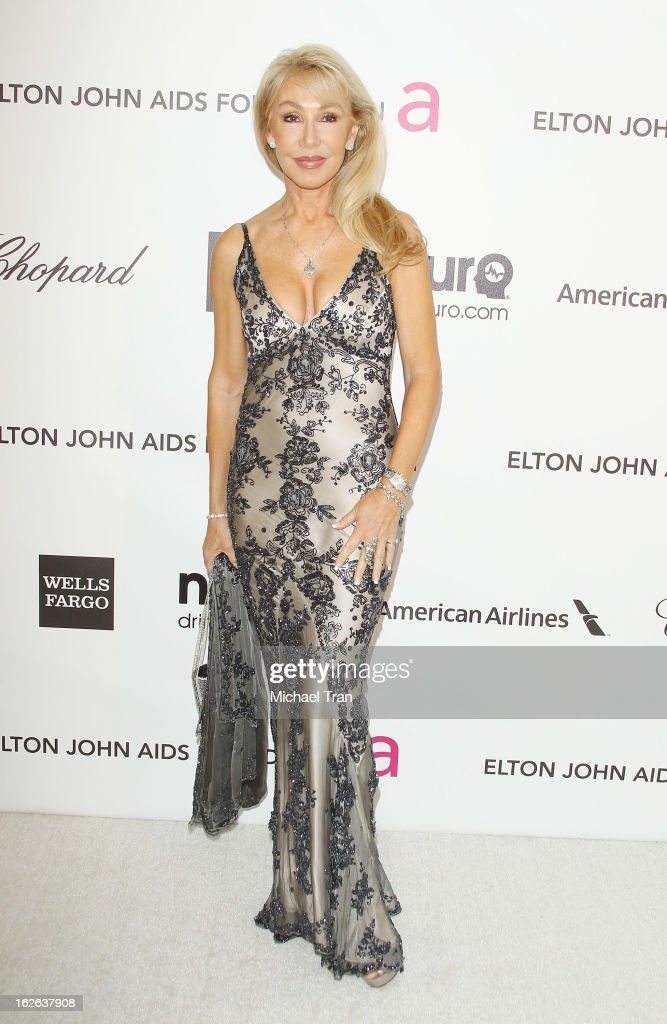 <a gi-track='captionPersonalityLinkClicked' href=/galleries/search?phrase=Linda+Thompson+-+Actrice&family=editorial&specificpeople=13681123 ng-click='$event.stopPropagation()'>Linda Thompson</a> arrives at the 21st Annual Elton John AIDS Foundation Academy Awards viewing party held at West Hollywood Park on February 24, 2013 in West Hollywood, California.