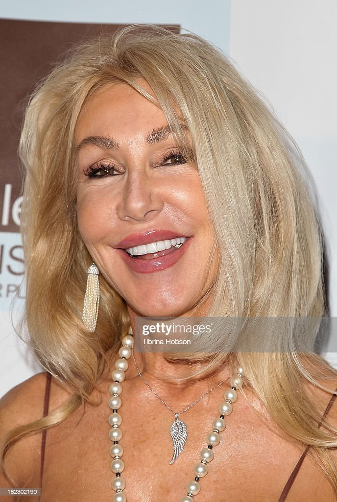 <a gi-track='captionPersonalityLinkClicked' href=/galleries/search?phrase=Linda+Thompson+-+Actress&family=editorial&specificpeople=13681123 ng-click='$event.stopPropagation()'>Linda Thompson</a> attends the 4th annual Face Forward LA Gala at Fairmont Miramar Hotel on September 28, 2013 in Santa Monica, California.
