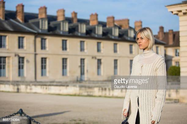 Linda Tol is seen before the Loewe show during Paris Fashion Week Womenswear SS18 on September 29 2017 in Paris France