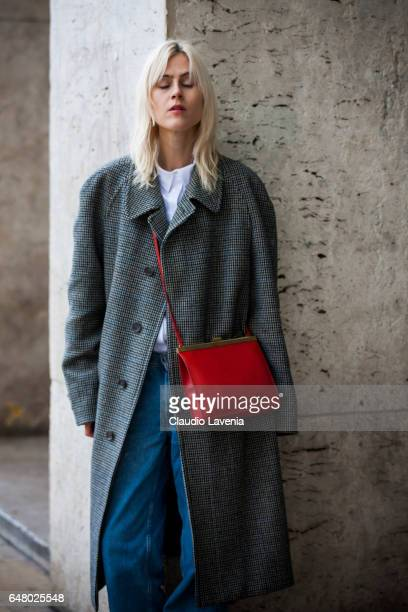 Linda Tol is seen in the streets of Paris after the Mugler show during Paris Fashion Week Womenswear Fall/Winter 2017/2018 on March 4 2017 in Paris...