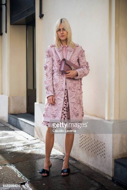 Linda Tol is seen in the streets of Paris before the Valentino show during Paris Fashion Week Womenswear Fall/Winter 2017/2018 on March 5 2017 in...